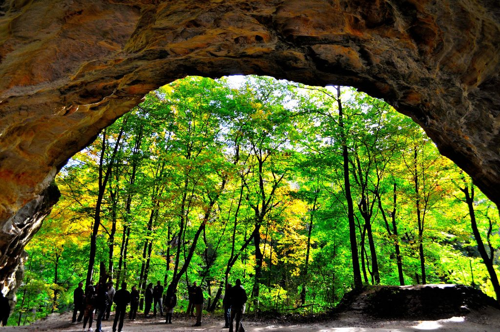 starved rock illinois hike park state scenic near places hikes trail spots flickr views hiking trails parks nature states map